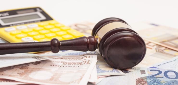 Rechtbank: 300 euro per uur voor advocaat in eenvoudige zaak niet onredelijk
